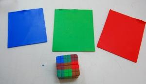 Je roule sur de fines feuilles de couleurs solides d'argile (# 6 réglage sur mon Atlas). Ceux-ci seront utilisés pour rendre les lignes.