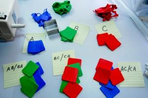 Voici mes «combinaisons de couleurs combinées», en utilisant 3 carrés de chaque couleur: bleu / vert (AB), red-orange/green (CB), et red-orange/blue (CA)